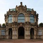 Wallpavillon: Hofseite im Dresdner Zwinger