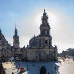 Schloßplatz Dresden als Weitwinkelaufnahme