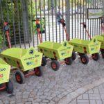 Ausleihstation für Bollerwagen im Zoo Dresden