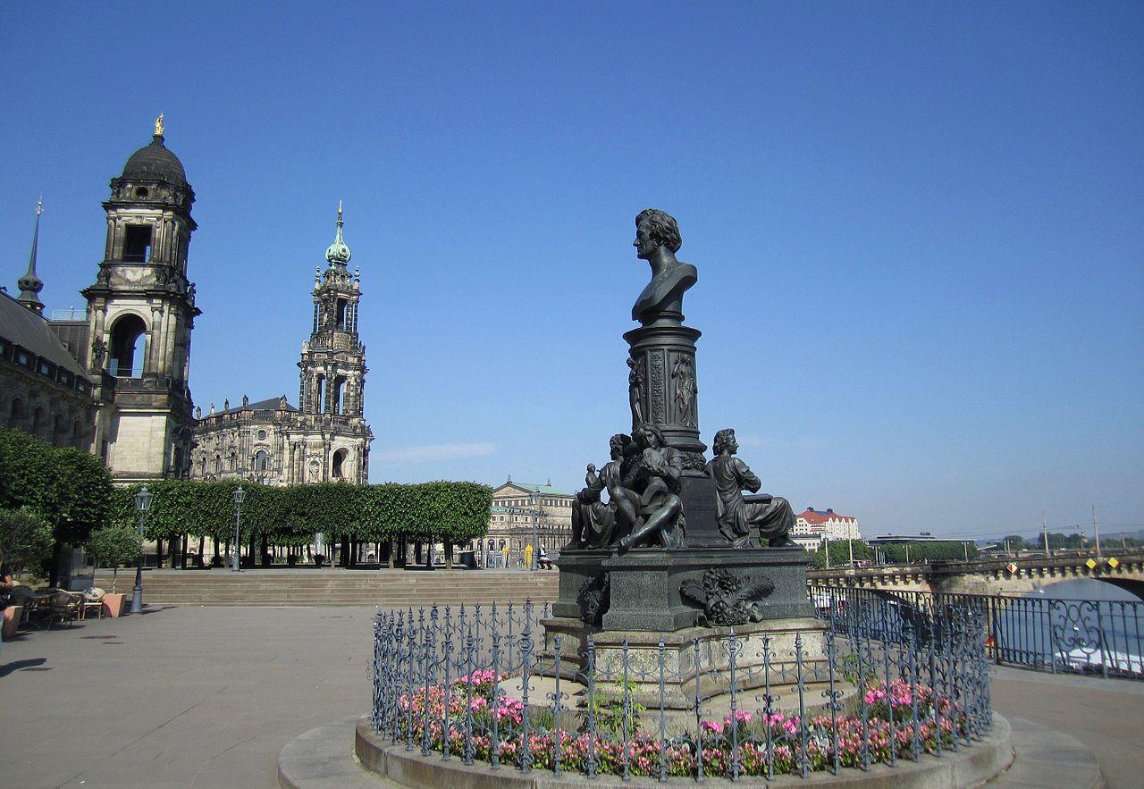 Die Brühlsche Terrasse Dresden   Zu Gast in Dresden