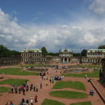 Zwinger Dresden - Blick über den Innenhof zu Kronentor und Wallpavillon