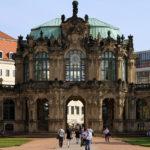 Zwinger Dresden - Glockenspielpavillon (auch Stadtpavillon genannt) gegenüber Wallpavillon