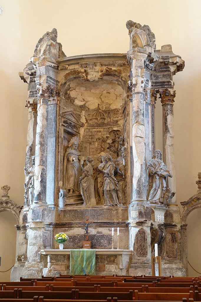 Altar der Dreikönigskirche mit den törichten und klugen Jungfrauen vor Jesus Christus