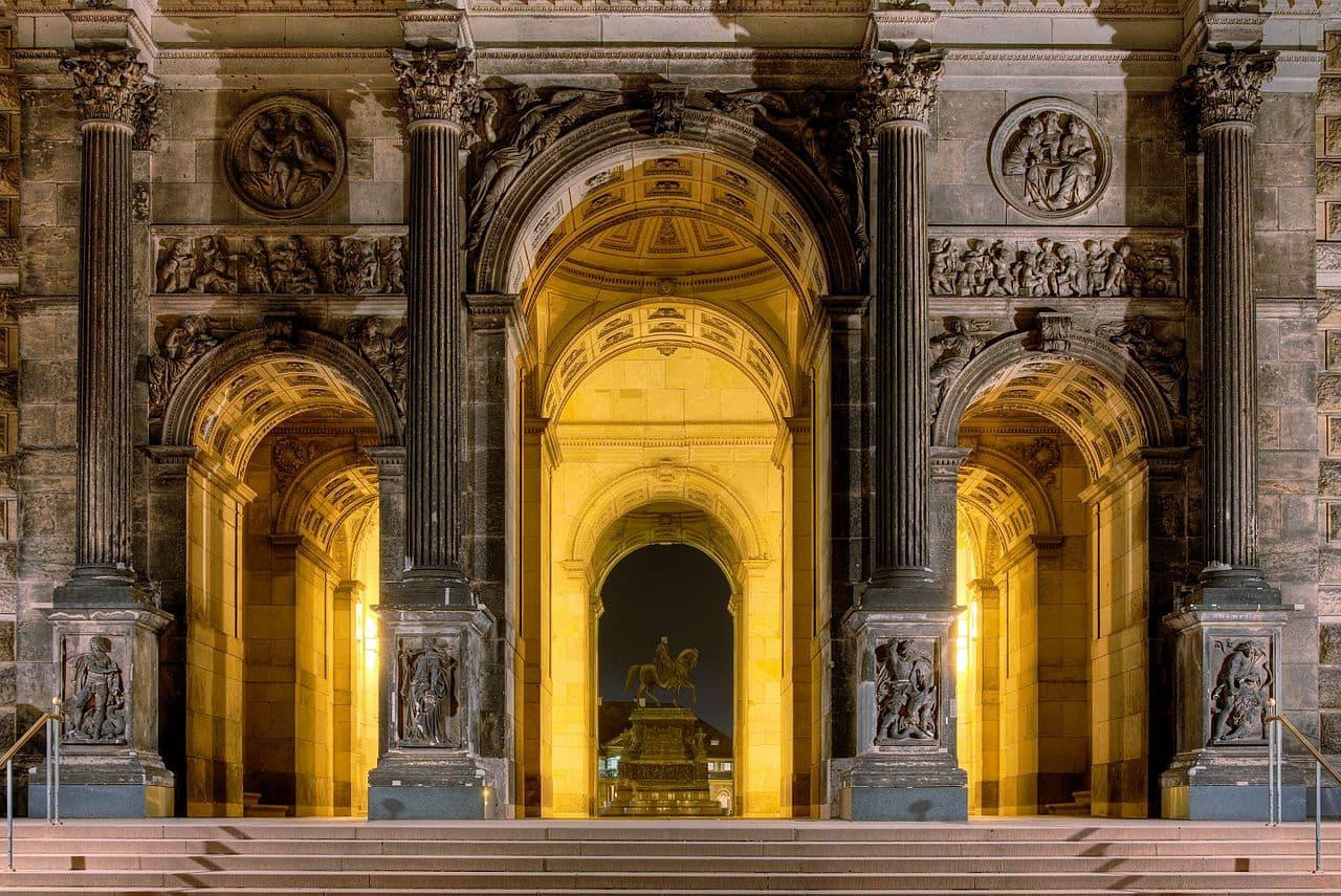 Zwinger Dresden - Eingang in die Sempergalerie