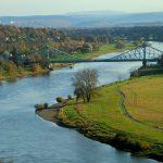 Blick vom Lingnerschloss Richtung Dresden Loschwitz - in der Bildmitte das Blaue Wunder