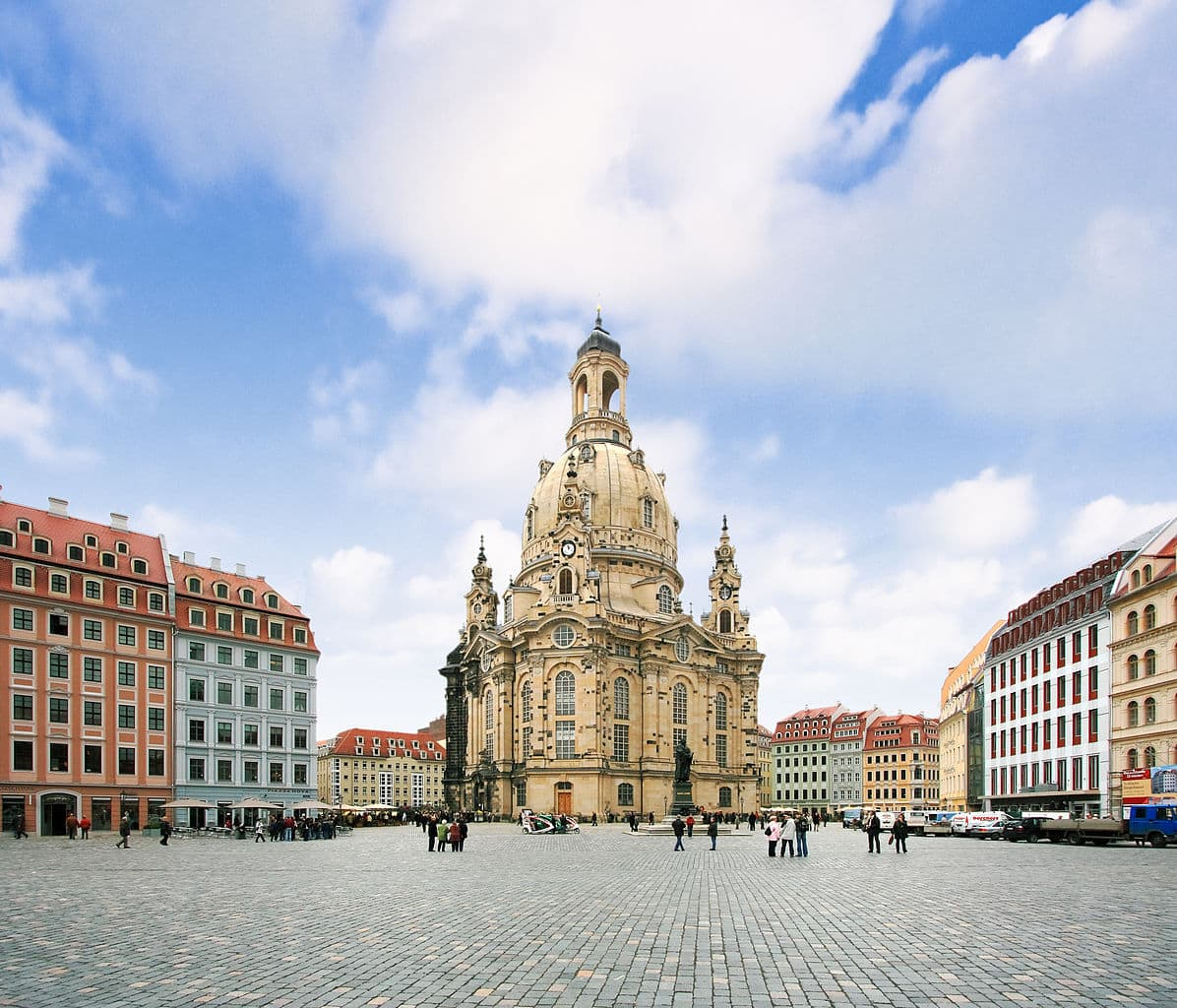 Frauenkirche Dresden vom Dresdner Neumarkt aus gesehen
