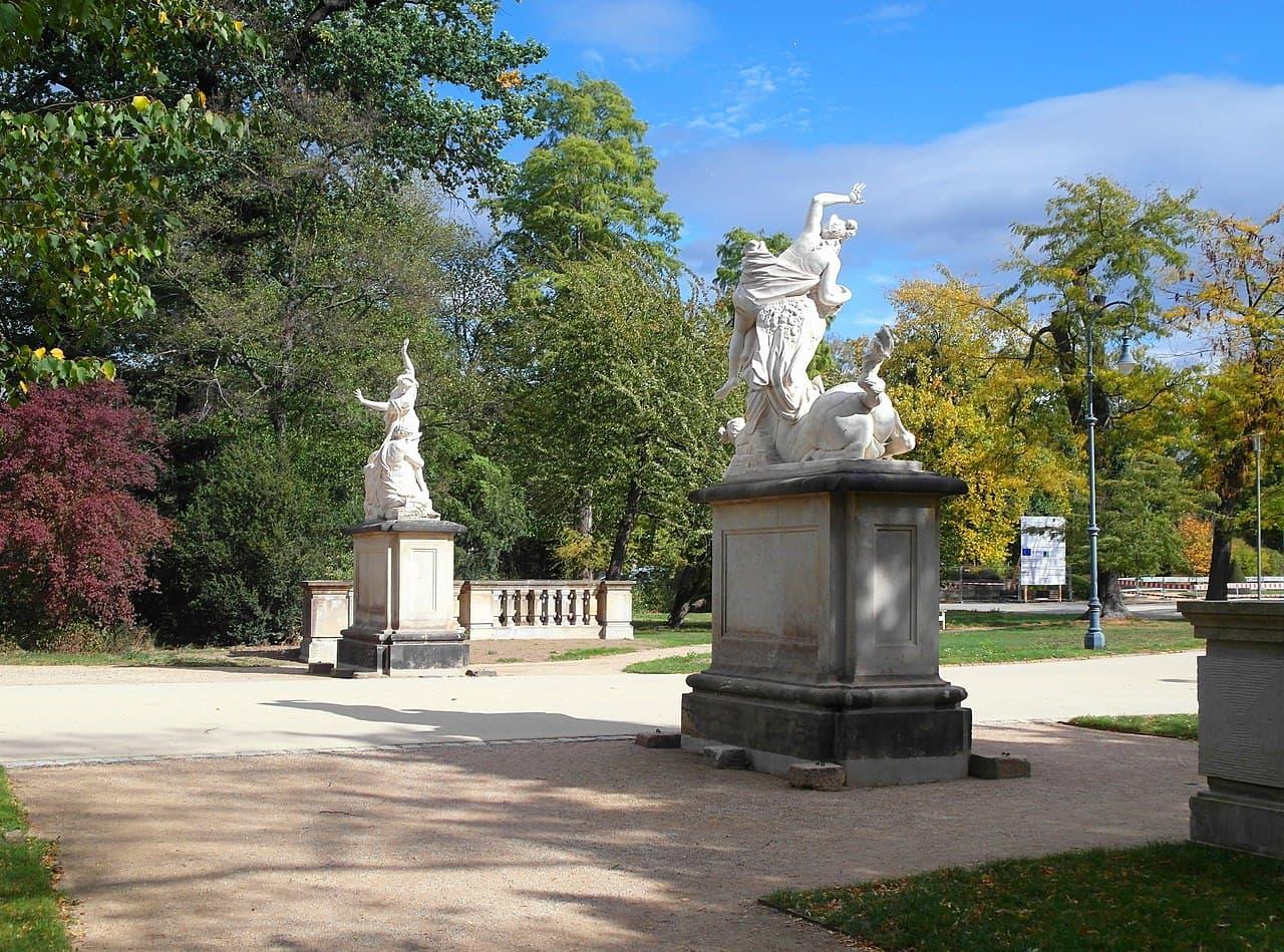 Dresden Großer Garten - Skulpturen der Kentaurengruppe