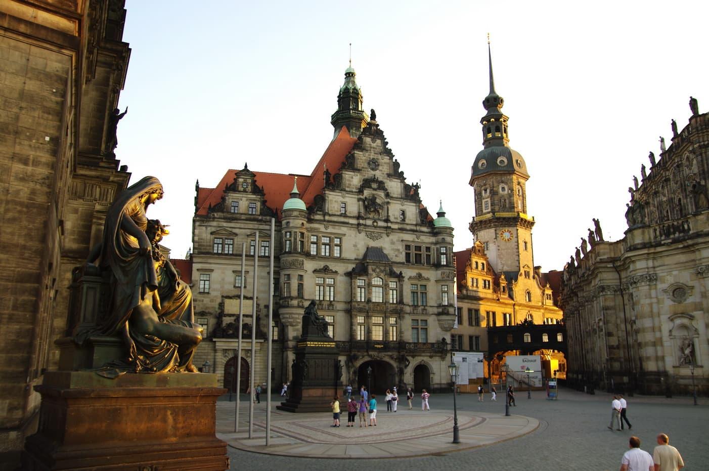 Georgenbau mit Georgentor am Residenzschloss Dresden