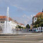 Palaisplatz Brunnen mit Fontaine mit Blick in die Königstraße